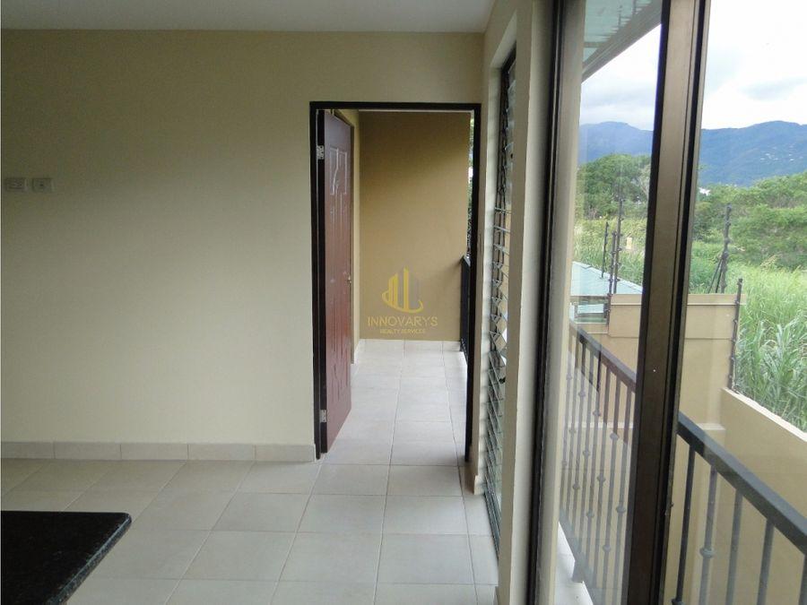 apartamento de tres habitaciones en alquiler bosques de santa ana