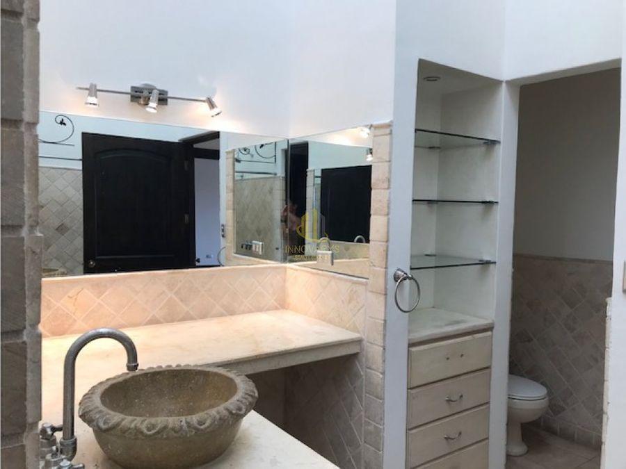casa amueblada 3 hab en condominio guachipelin norte escazu