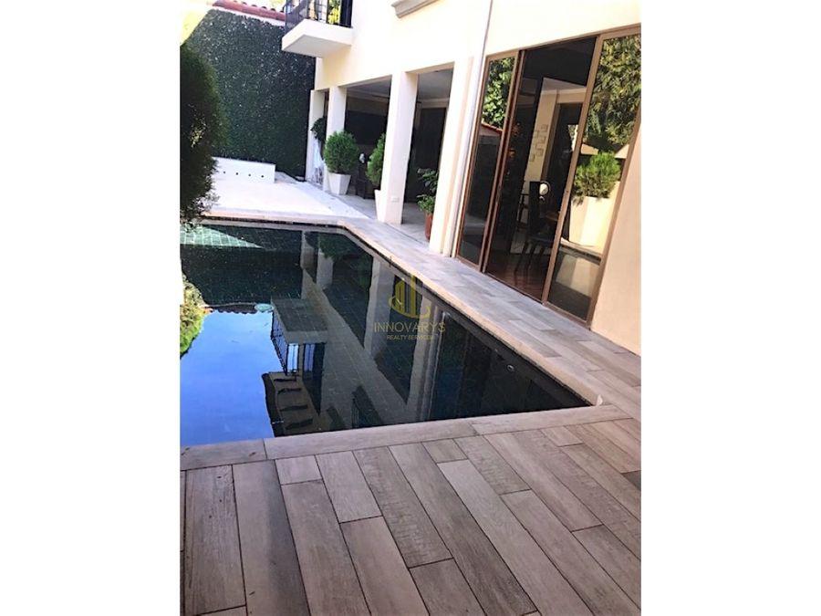 casa con piscina propia en condominio rio oro de santa ana