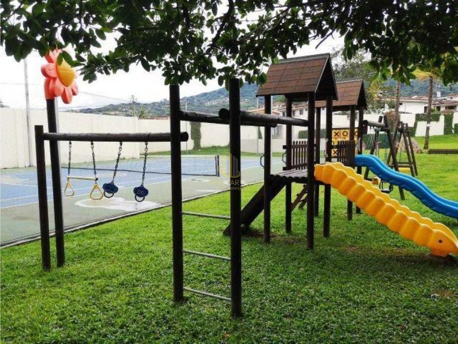 alquiler apto de 2 cuartos en riverpark santa ana