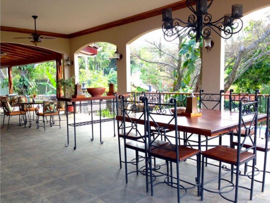 venta de lujosa quinta en complejo privado brasil mora