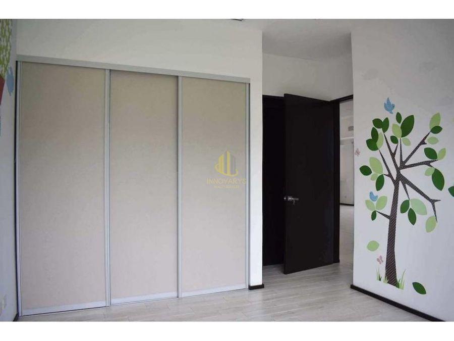 venta de apartamento de 3 cuartos servicio en piedades santa ana