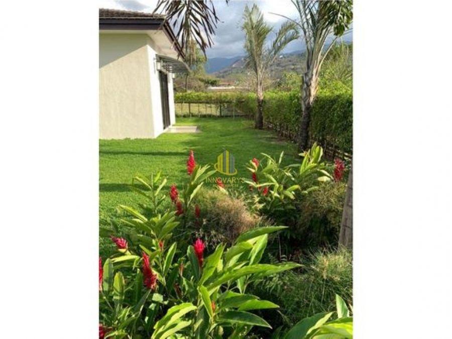 casa de una planta en la hacienda rio oro santa ana