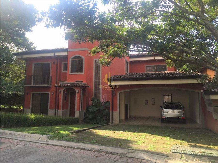 casa en residencial privado jaboncillos escazu