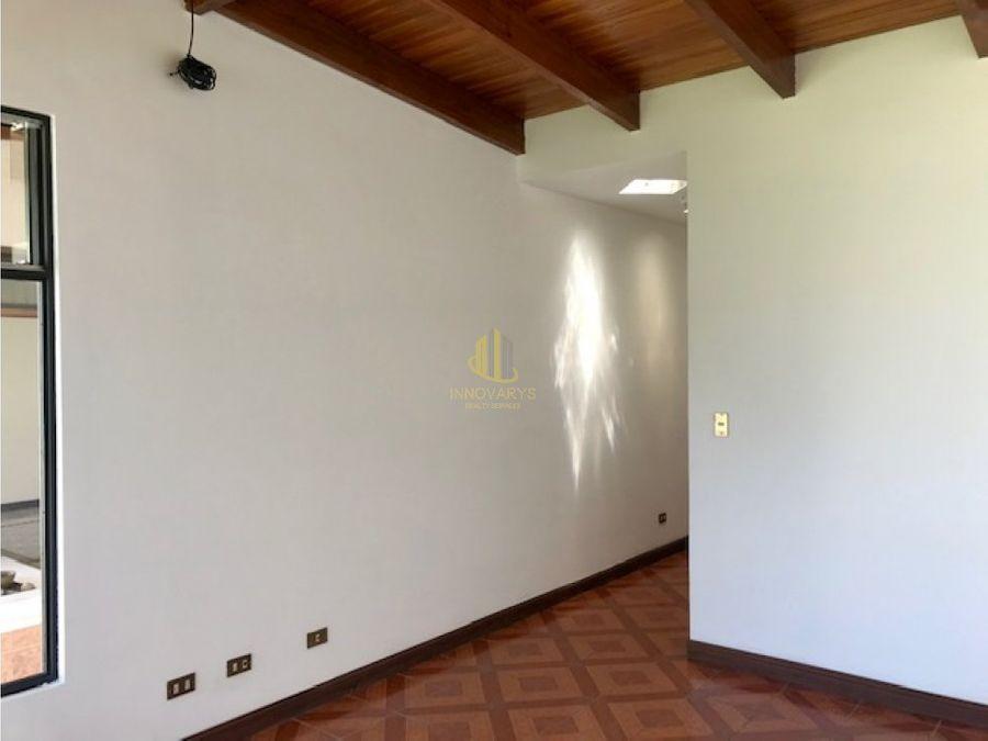 casa en alquiler con linea blanca en escazu