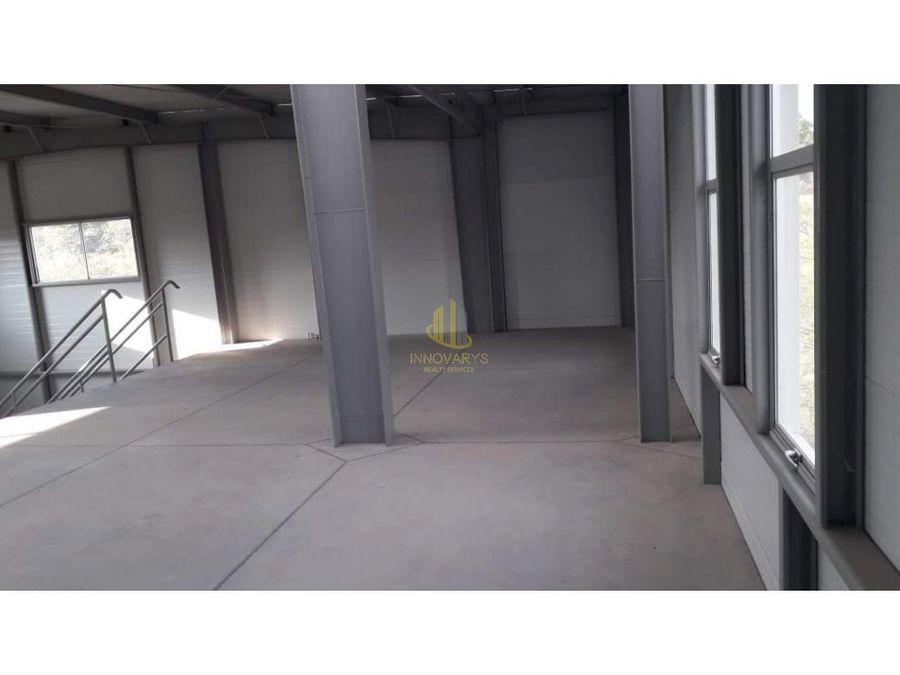 alquiler de bodega 186 m2 en zona ind de mora