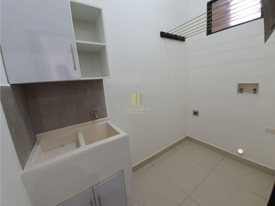 venta apartamento 2 hab en rohrmoser en edificio