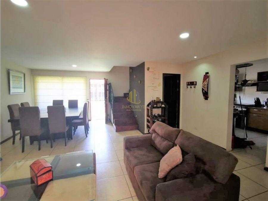 casa independiente de 3 habitaciones a la venta santa ana