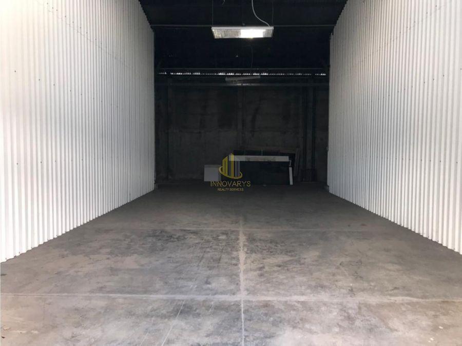 bodega de 300 m2 en alquiler en complejo santa ana