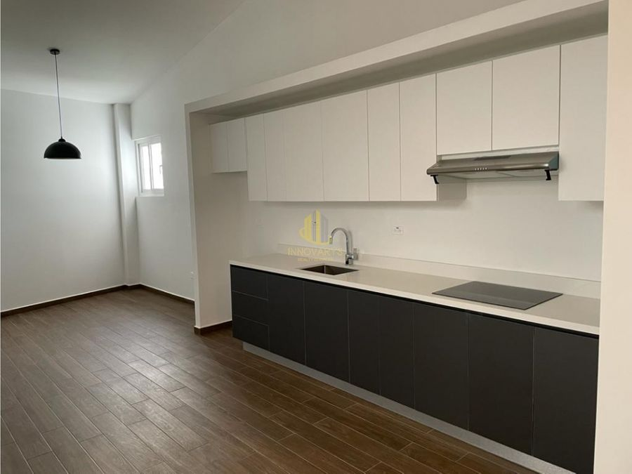 alquier moderno y nuevo apartamento de 2 cuartos en rohrmoser