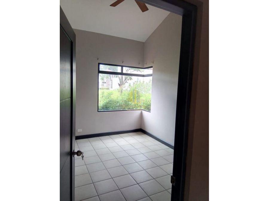 alquiler casa 4 cuartos en condominio pozos