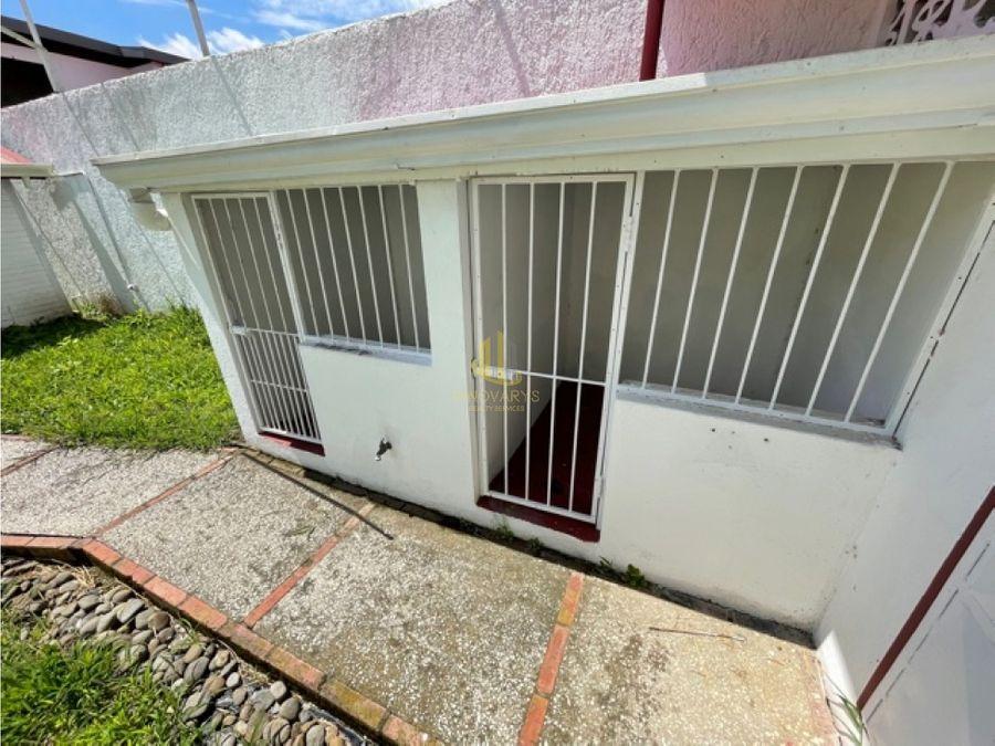 rebajada casa de 4 cuartos en alquiler en rohrmoser