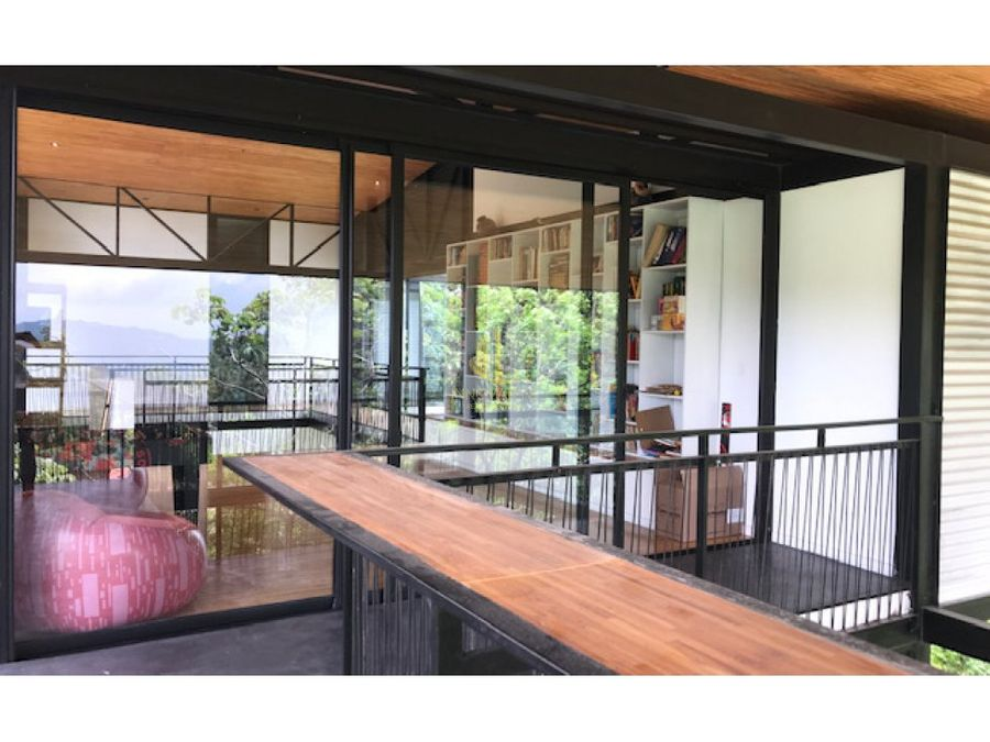 casa contemporanea con bella vista en residencial ecologico santa ana