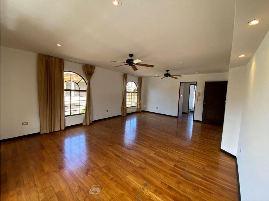 alquiler casa 2 hab residencial cerrado escazu