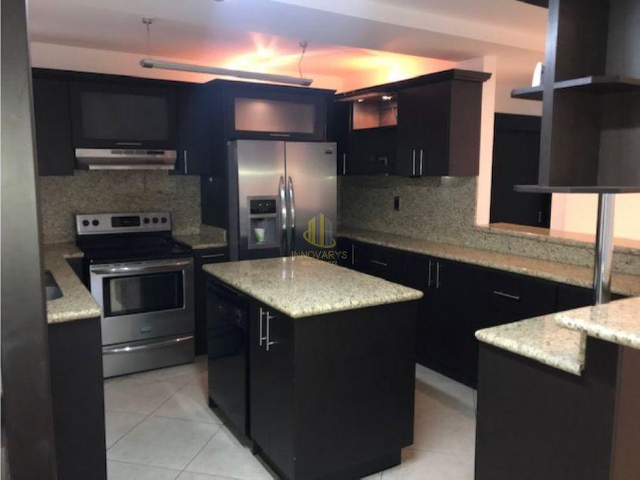 casa amplia en venta en condominio en pozos santa ana
