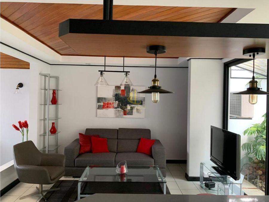 alquiler de casa amoblada de 3 cuartos sabana sur