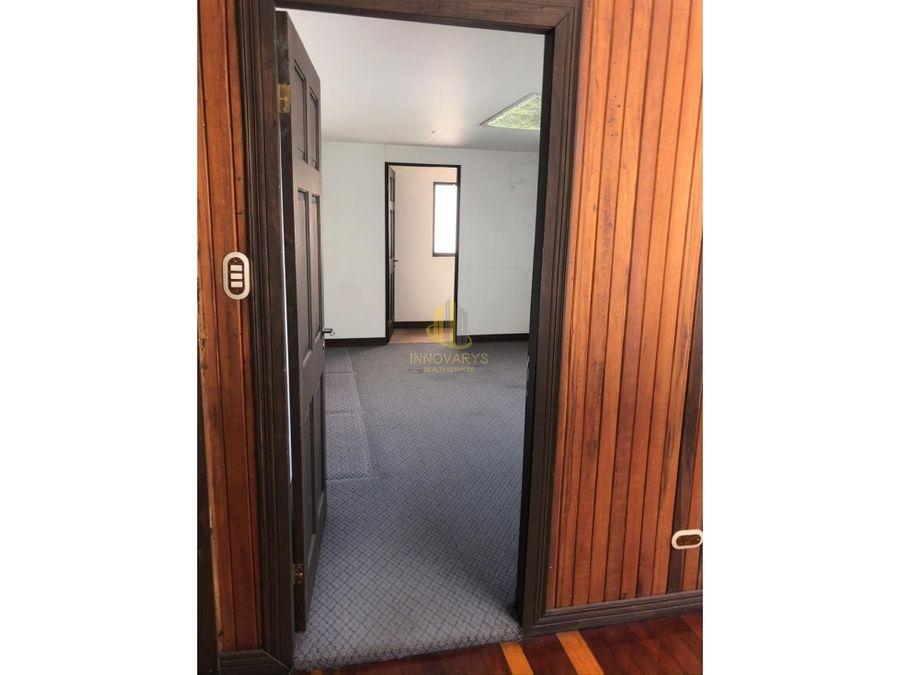 venta de casa de 5 cuartos cerca de la ucimed