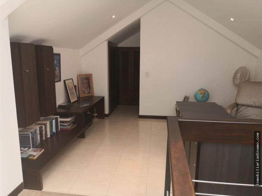 espectacular casa esquinera en venta condominio palma del vergel