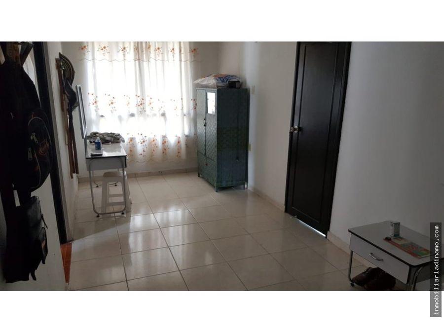 se vende casa en barcelona quindio