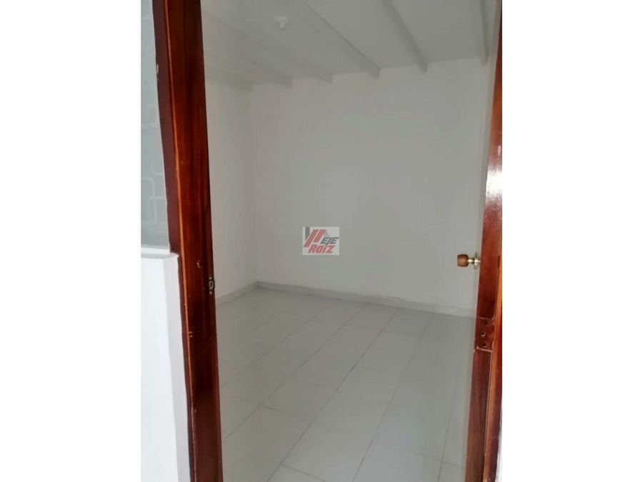 se vende casa esquinera con doble renta sector enea 120 mtrs2