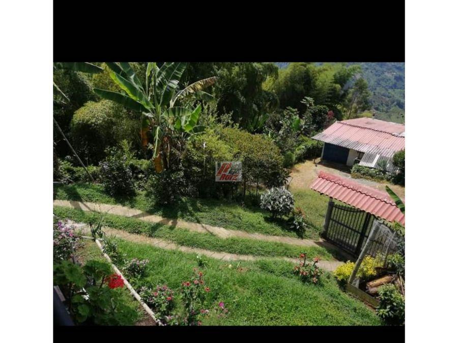 se vende casa campestre sector la siria 220 mtrs2