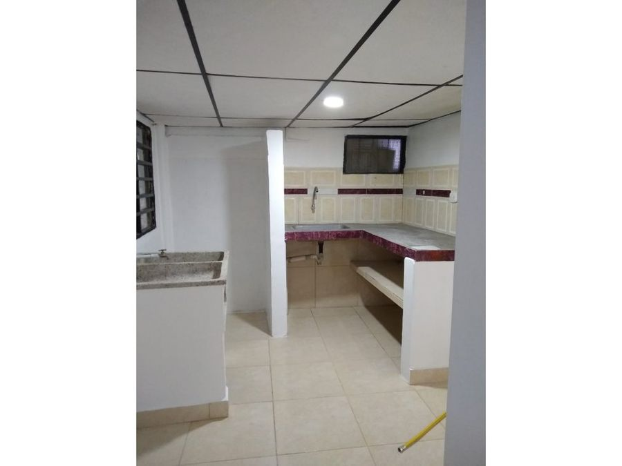 venta casa con renta sector villamaria area 74 mtrs2