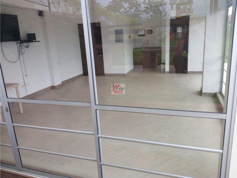 se vende casa sector villapilar 90 mtrs2