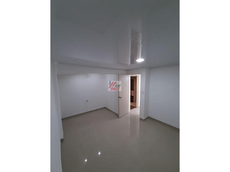 se vende casa 3 niveles sector alcazares 140 mtrs2