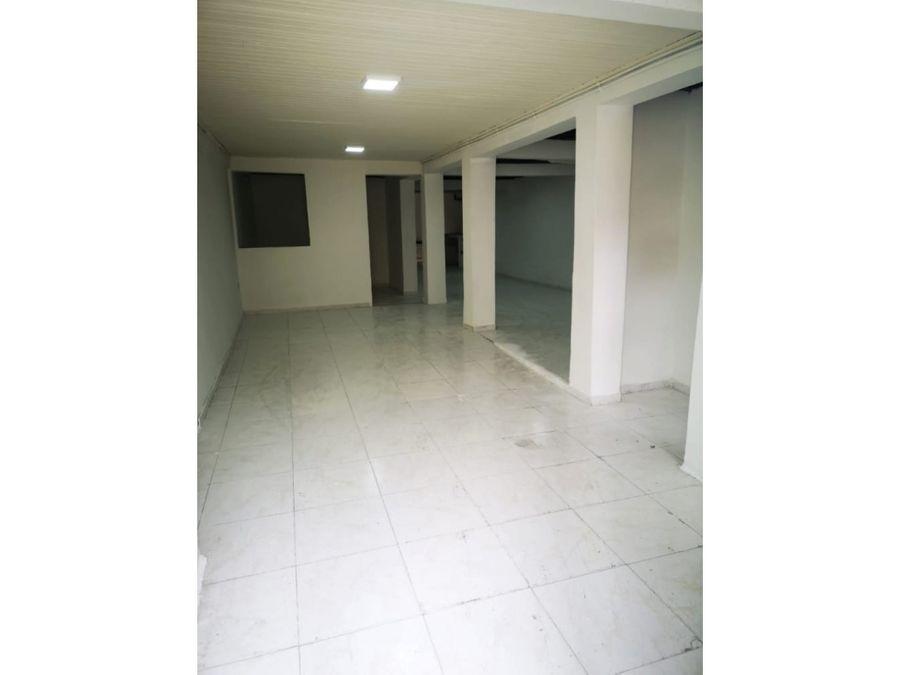 se vende casa con renta sector la sultana 400 mtrs2