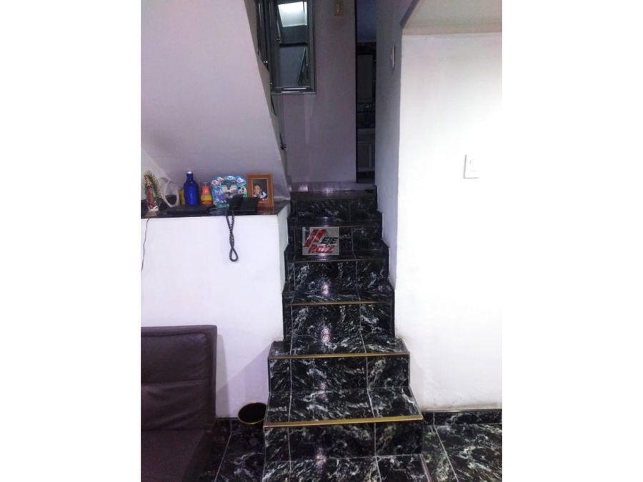 venta casa 3 niveles sector la asuncion area 80 mtrs2