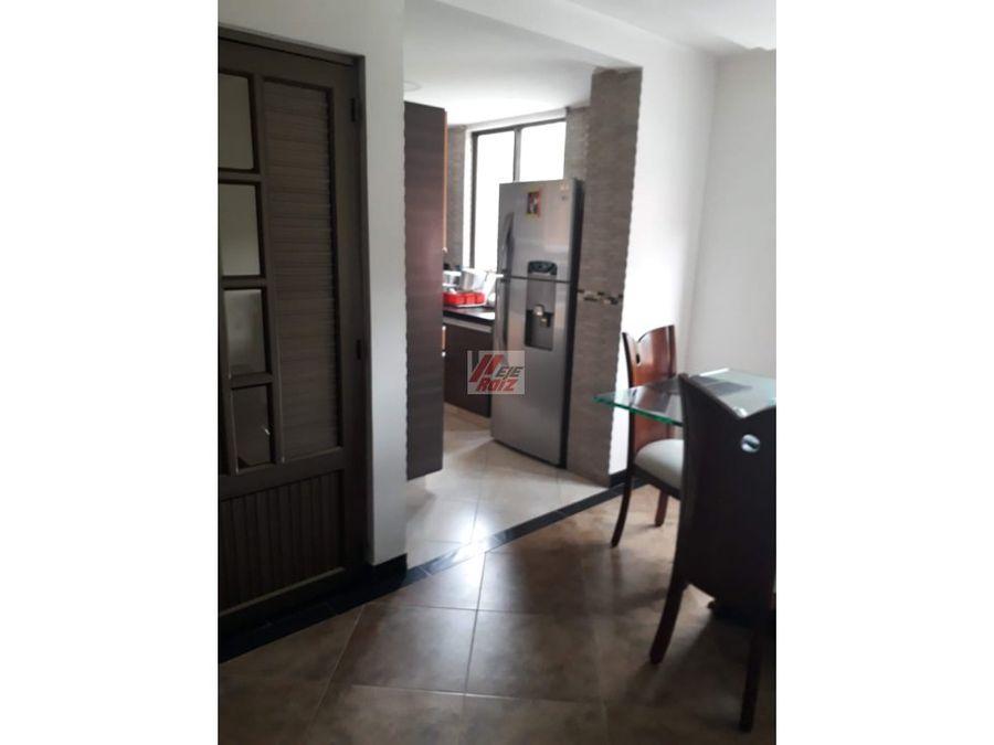 venta casa 3 niveles sector bengala area 160 mtrs2