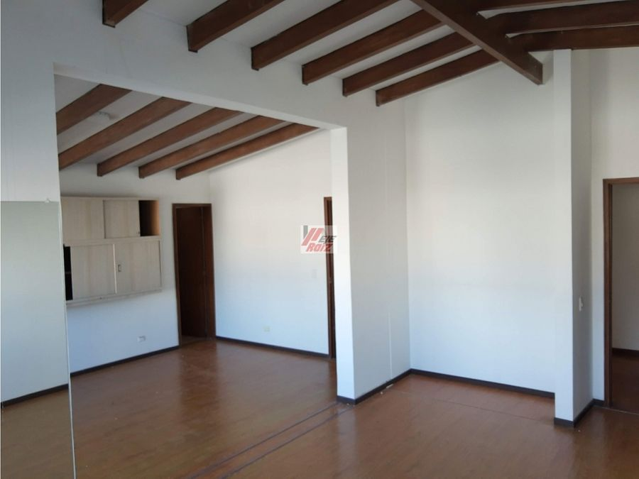 arrienda local sector las palmas area 180 mtrs2