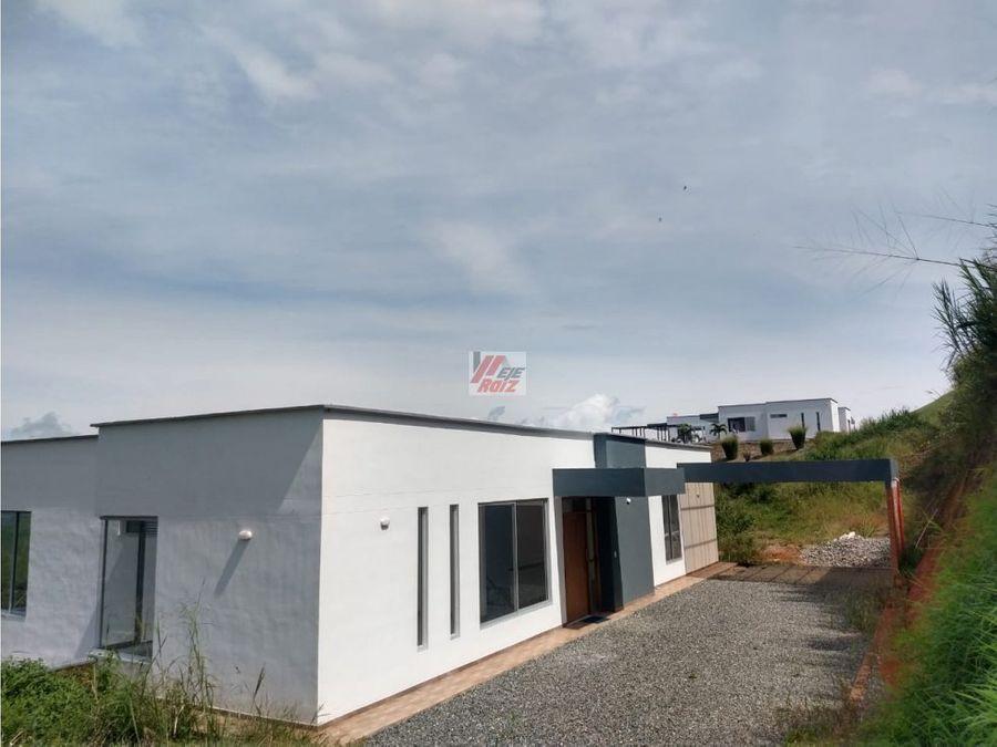 se vende casa campestre para estrenar sector la plata