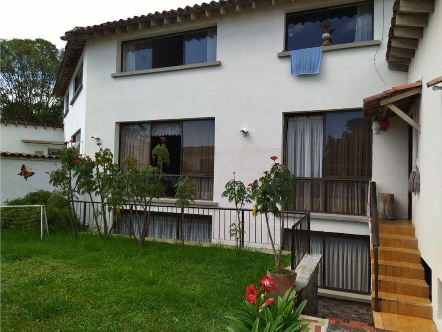 se vende casa grande 5 niveles sector francia 369 mtrs2
