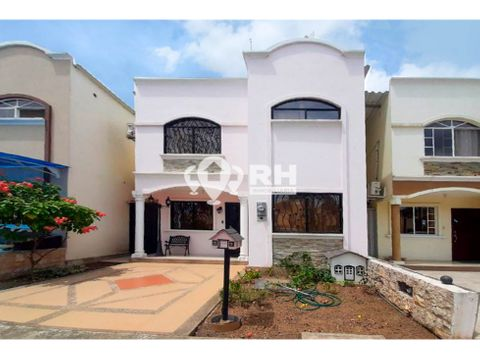 casa de dos pisos con garaje en urb ciudad palmeras machala lfs