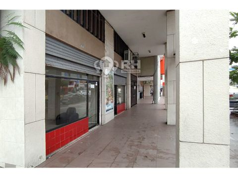 local comercial con mezanine al centro de machala 922
