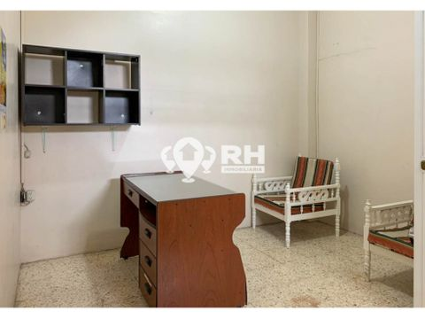 oficina en alquiler en zona bancaria al centro de machala aqc2