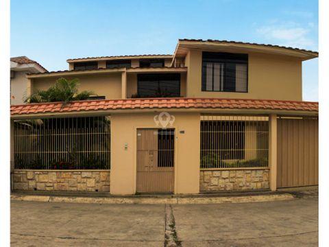 casa de 5 habitaciones en alquiler en unioro machala jxht