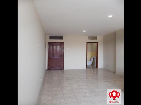 oficina en alquiler en centro de machala 836