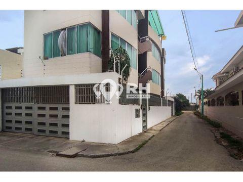 edificio de tres departamentos en venta en las crucitas machala mjga