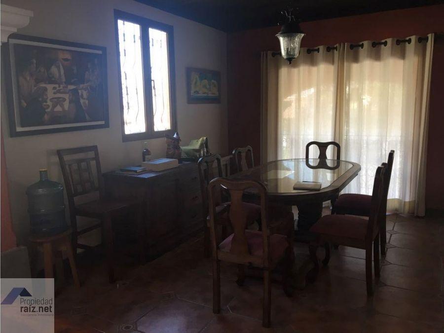 vendo lujosa casa antigua guatemala d