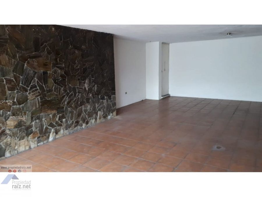 vendo amplia casa zona 12 monte maria d