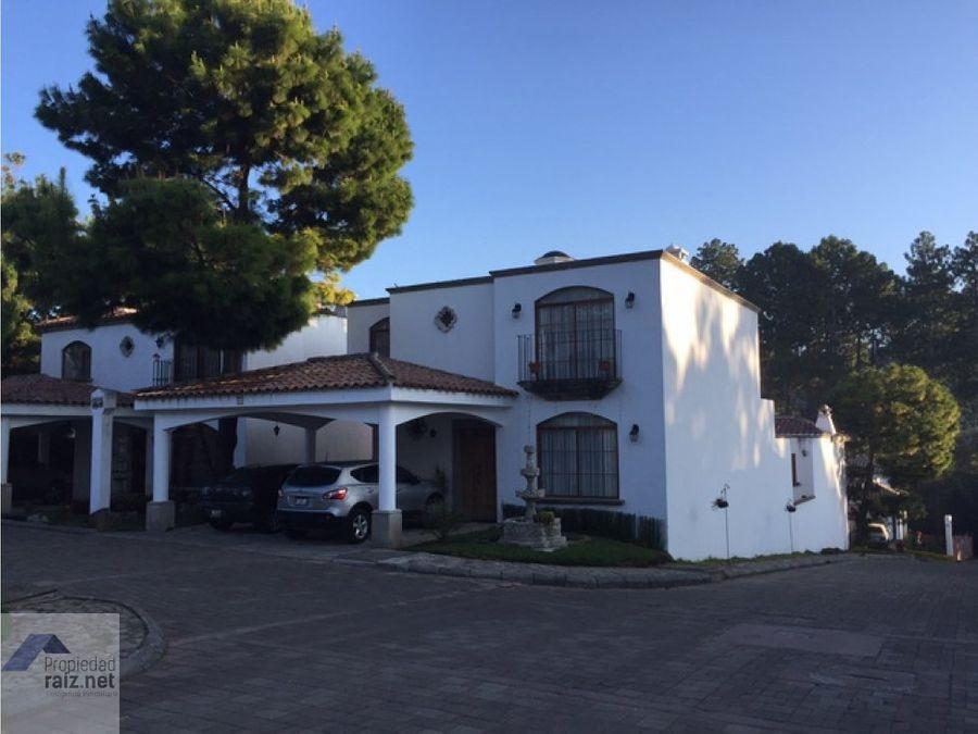 vendo amplia casa en san lucas d