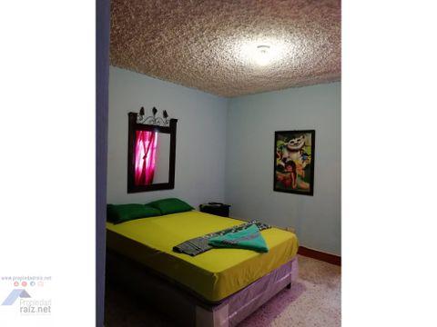 alquilo habitaciones por noche aurora 1 d