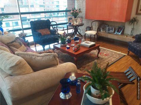 apartamento en zona exclusiva chico reservado