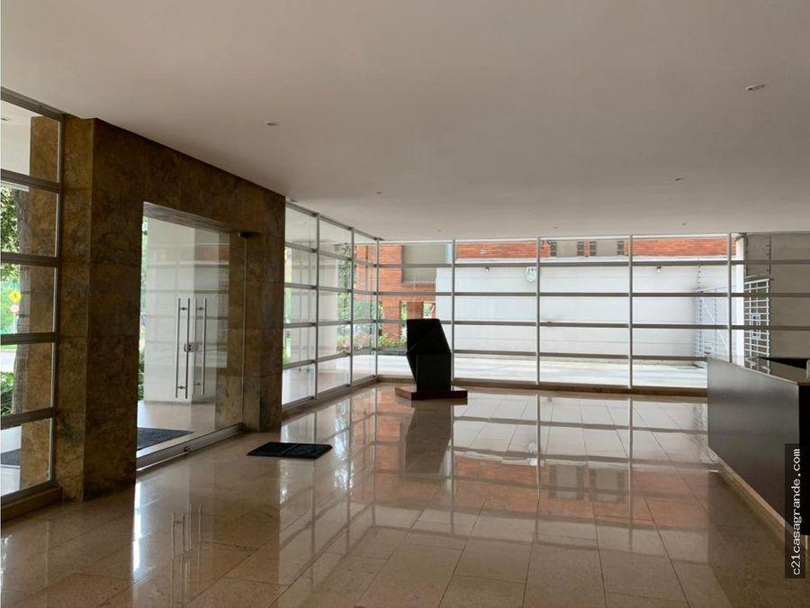 amplio e iluminado apartamento en la cabrera