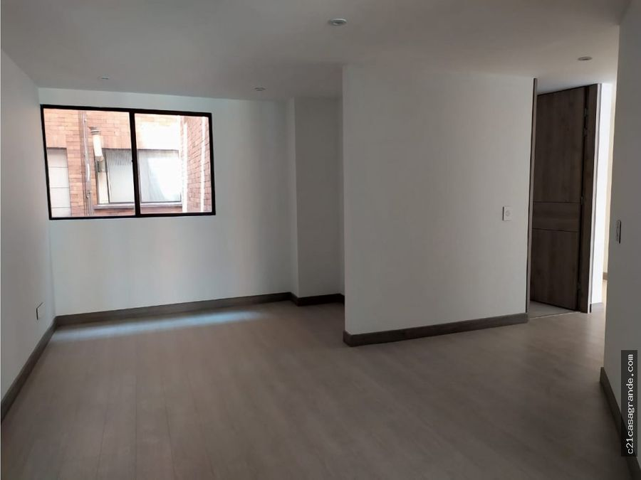 amplio apartamento en santa barbara