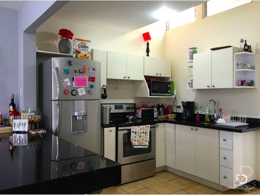 casa de 2 habitaciones y 1 nivel