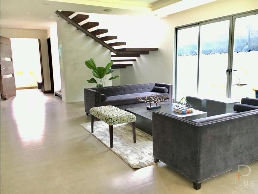 casa contemporanea en venta en bosques de carao