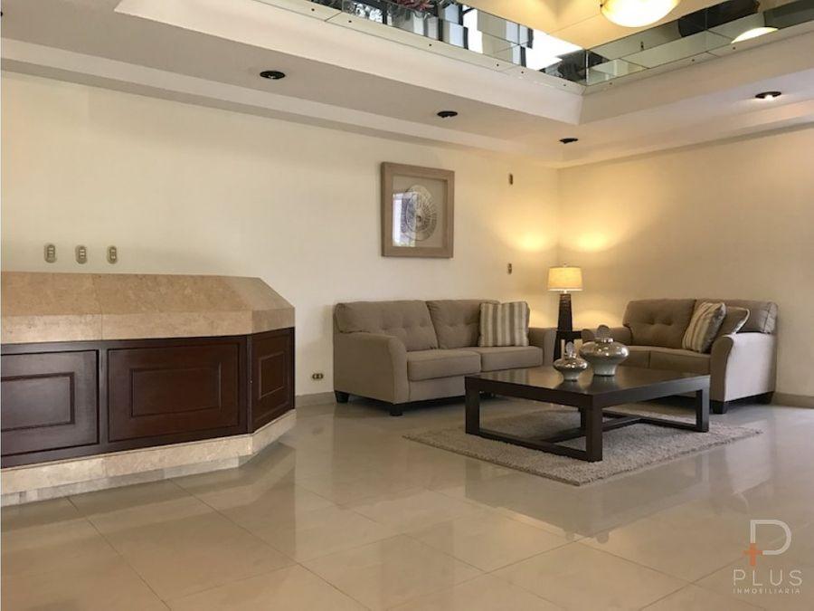 amplio apartamento de lujo con 4 dormitorios